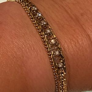 Jewelry - 14k real gold bracelet accents of real diamonds